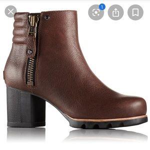 Sorel Danica bootie brown and black